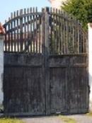 Tradiční vrata...