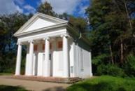 Panův templ v zámeckém parku..
