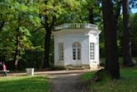 Pohled na Goethův pavilón.