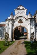 Brána zámku v Líčkově.