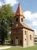 Kaple Nanebevzetí Panny Marie na lišanské návsi.