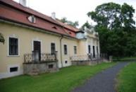Pamětní síň malíře Emila Filly v jižním křídle místního zámku.