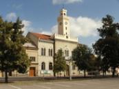 Budova místní radnice.