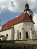 Pohled na kostel sv. Bartoloměje.