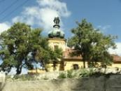 Farní kostel sv. Václava ze 13. století.