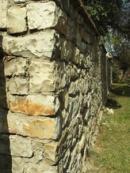 Kostelní zeď...
