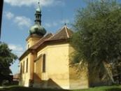 Farní kostel svatého Václava ze 13. století.