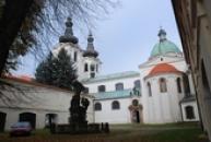 Exteriéry zdejšího kláštera.