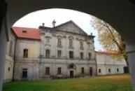 Areál doksanského kláštera.