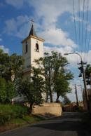 Zdejší kostel Narození sv. Jana Křtitele.