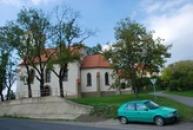 Zdejší kostel.