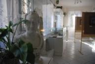 Busta J. W. Goethe ve zdejší expozici.