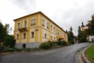 Zámek využívaný jako hotel.