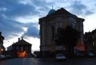 Kostel sv. Petra a Pavla za soumraku...