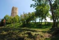 Cestou ke hradu Skalka.