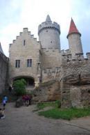 Záběr z nádvoří hradu.