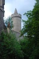 Pohled na věž dávného hradu.
