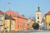 Pohled do ulice Komenského.