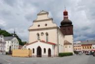 Pohled na kostel sv. Vavřince.