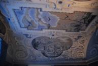 Stropní malby na zdejším zámku.