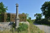 Kříž na kraji obce.