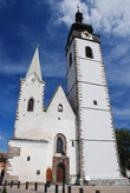 Pohled na kostel Narození Panny Marie.