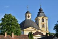 Věž kostela.