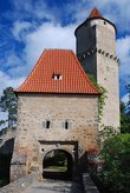 Písecká brána s věží Hláskou.