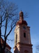 Věž kostela sv. Jakuba Většího.