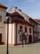 Historický dům na náměstí.