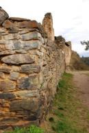Jedna z obvodových zdí...
