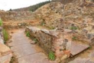 Zbytky místností prvního patra hradu.