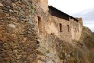Obvodové zdi hradu...