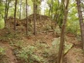 Zřícenina strážního hradu z konce 13. století.