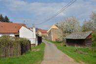 Dolní část obce.