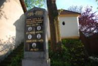 Památník padlých v Lodenici.