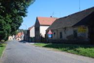 Ulice Československé armády.