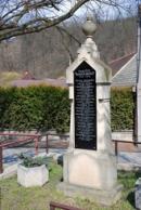 Zdejší památník padlých z 1. světové války.