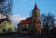 Večerní pohled na kostel sv. Kateřiny.
