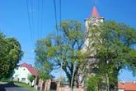 Pohled na průčelí kostela sv. Kateřiny.