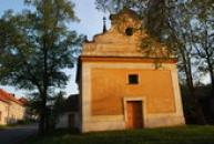 Jednolodní obdélný kostel sv. Martina...