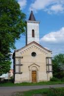 Pohled na zdejší kostelík sv. Prokopa.