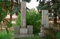 Památníky obětí světových válek.