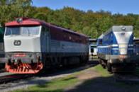 Lokomotiva řady 749 přezdívaná Mračoun.