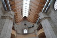 Opravený interiér chrámu.