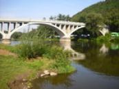 Most přes řeku Berounku.