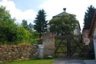 Vrata do zámku.