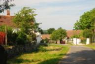 Pohled ze směru od Měčichova.