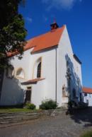 Průčelí kostela sv. Martina.