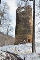 Válcová věž - bergfrit.